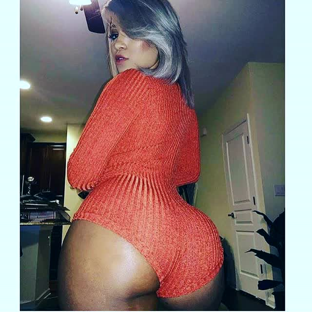 pictures photo in hd repost thickbutts and on her ass pics