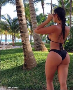 big ass in shorts repost dimebutts__ and big booty latinas free