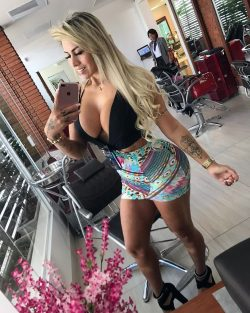 chicks in booty shorts repost juujuferrari and big ass picture doggy
