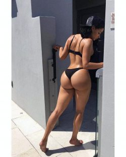 photo pictures and nude big ass women
